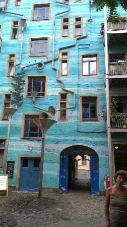 Kunsthofpassage: Grondaia suonante