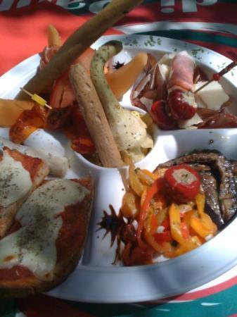Casa di Paolo : l assiette d' antipasti