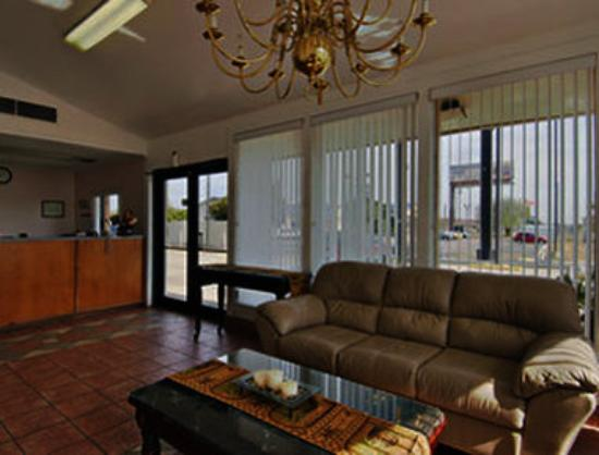 Super 8 San Marcos : Lobby