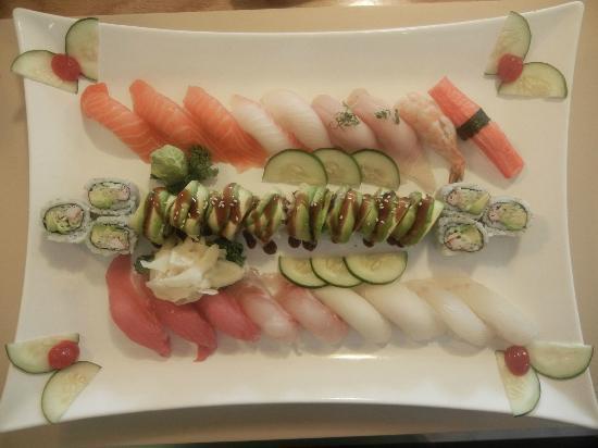 Yama Japanese Restaurant: Sushi for two