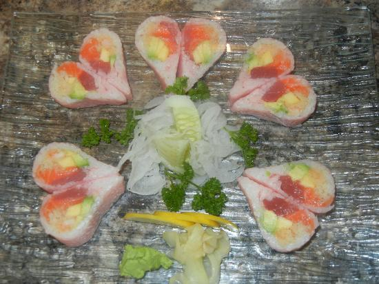 Yama Japanese Restaurant: Salmon,tuna,mango,avocado,labster salad wrapped w.soybean paper.
