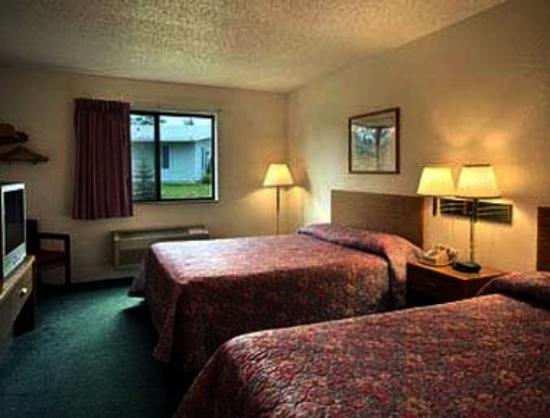 Americas Best Value Inn Hibbing : Standard Two Double Bed Room