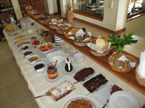 Hotel Matina : Matina Hotel Breakfast Bar