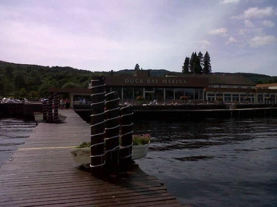 Duck Bay Hotel & Marina: View from the pier
