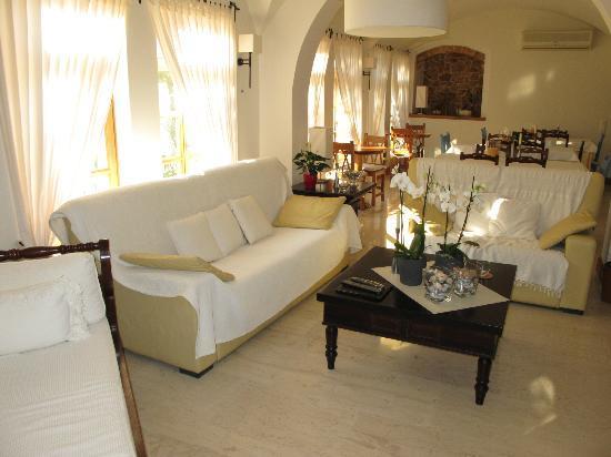 Hotel Matina: Matina Hotel Lounge Area