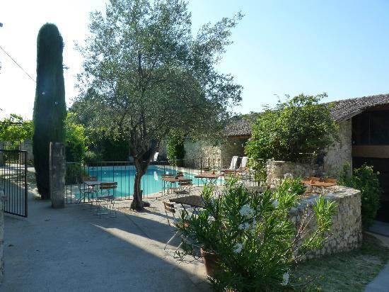 Les Mejeonnes : piscine