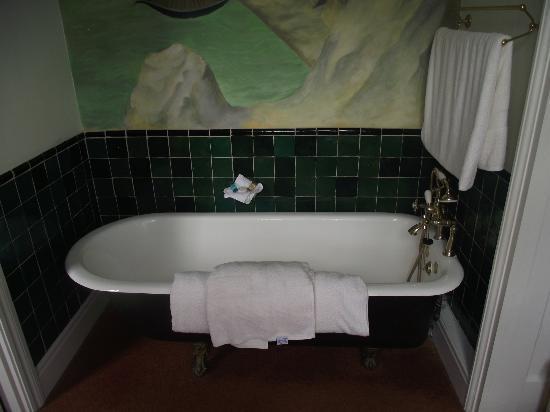 Stanshope Hall: Bathroom