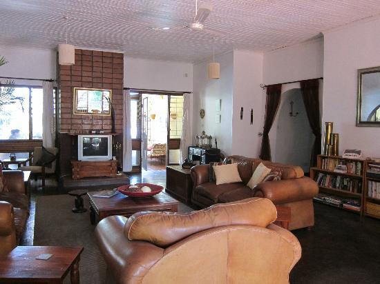 Heuglin's Lodge: You can lounge in the living room