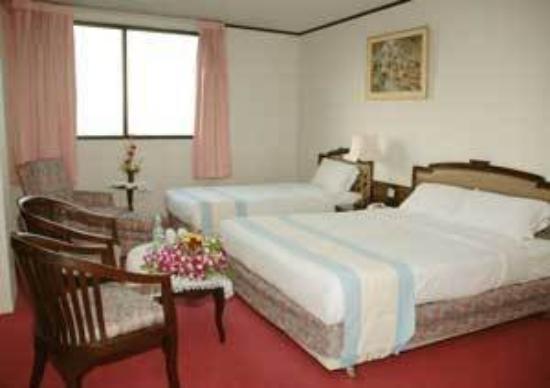 جراندي فيلي هوتل: Guest room 1