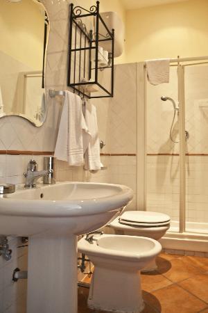 La Locanda dell'Amore : Bathroom