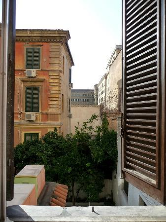 Wow Roma B&B - Diocleziano B&B: View from double room private bathroom