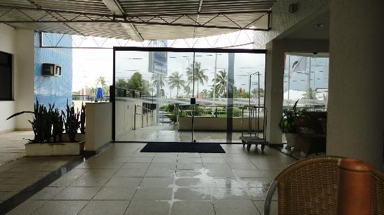 Hotel da Costa: Entrada do Hotel