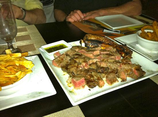 Porter House Grill Restaurant: Aged Beef Steak for two chopped up
