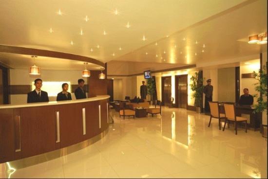 Sadanand Regency: Lobby