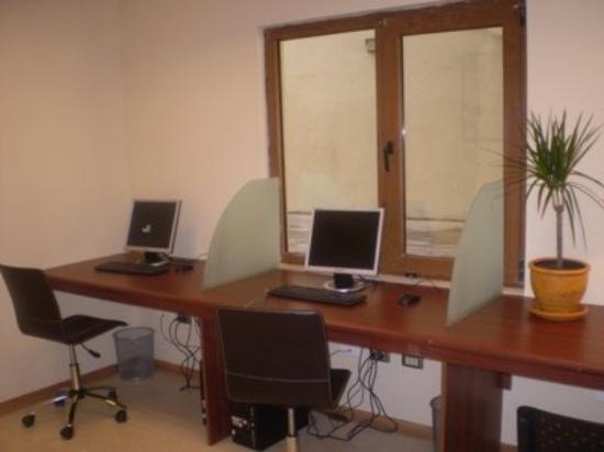 Diego de Almagro Valdivia Hotel: Centro de conexion a Internet