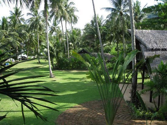 Koyao Island Resort : View of grounds