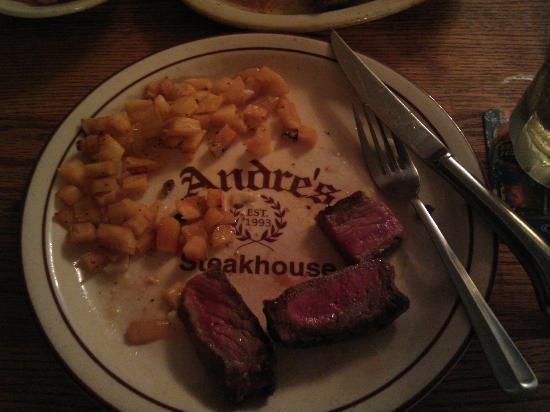 Andre's Steak House: Steak!