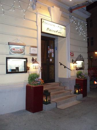 Ristorante Beccofino: Front Beccofino night