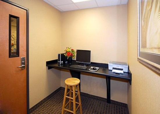 Sleep Inn & Suites Shepherdsville : KYBUSCTR
