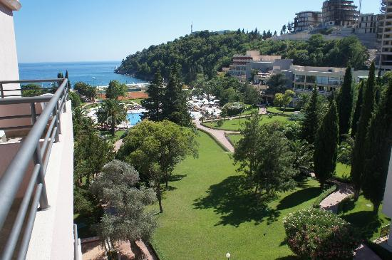 IBEROSTAR Bellevue: View from the main building