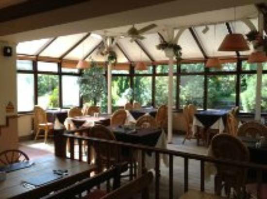 The Linden Tree: Restaurant