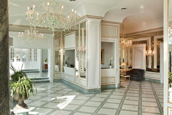Grand Hotel Santa Lucia: Hall