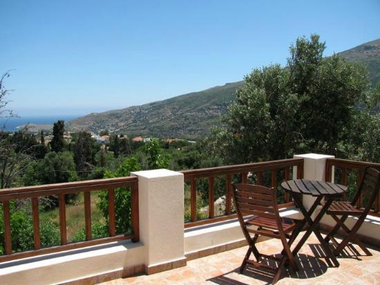 Mainades Maisonettes & Studios: balcony