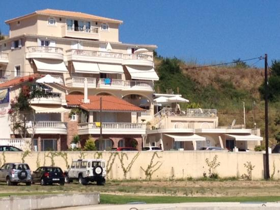 Corali Beach: Our building was below in the middle. It has a traditional ceramic roof.