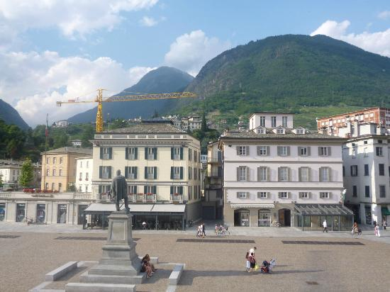 Grand Hotel della Posta: Uno sguardo su Piazza Garibaldi