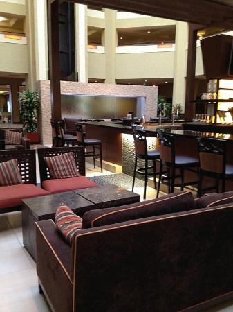 Hilton Phoenix/ Mesa: Lounge area