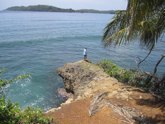 Buccaneer Resort: View on Carenero Island