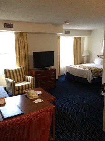 Residence Inn Raleigh-Durham Airport/Morrisville: Main room area