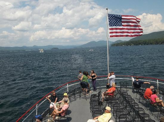 Lake George Steamboat Company : Enjoying the wonderful cruise