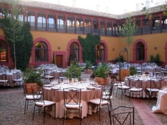 Convento Santa Clara: Yard
