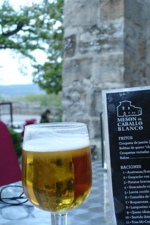 Meson del Caballo Blanco: La primer cerveza.