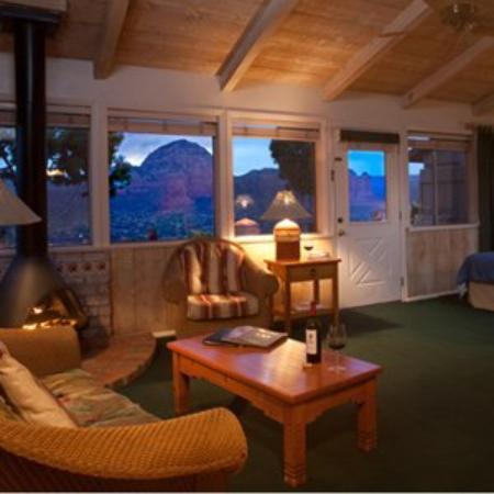 Sky Ranch Lodge: Cottages