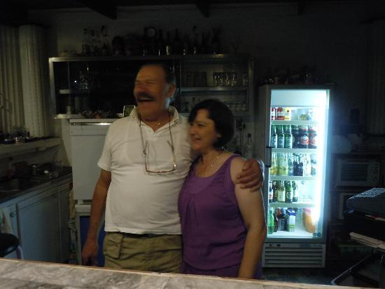 SunCity Hotel Studios: Gina y su esposo