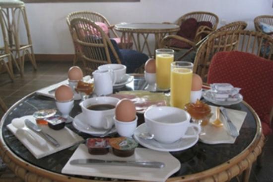 god frukost på Pension Avra