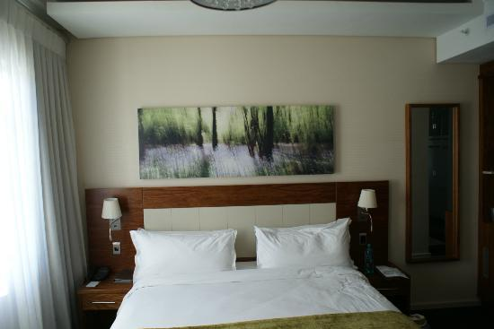 DoubleTree by Hilton Cape Town - Upper Eastside: The bed