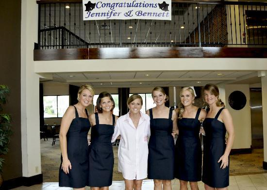 Comfort Inn Warner Robins: Bride and Bridesmaids with Banner