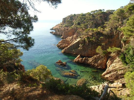 Costa Brava, Spain: Vista por el cami de ronda.