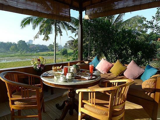 Alam Jiwa: 豐盛的早餐可在私人陽台享用