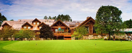 Garland Lodge & Resort: Lobby Patio