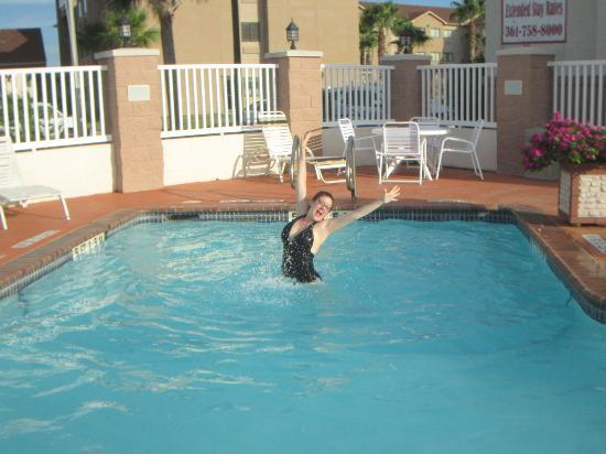 Microtel Inn & Suites by Wyndham Aransas Pass/Corpus Chris : Microtel Pool