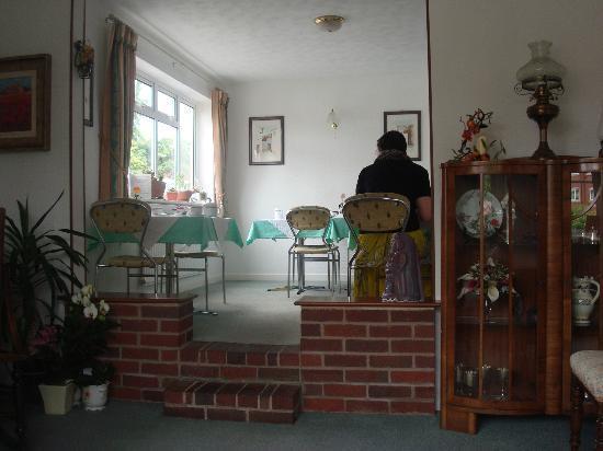 Brook Lodge Guest House: breakfast room