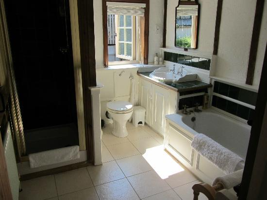 Woodleys Farmhouse Bed & Breakfast: Room 4 - Bathroom