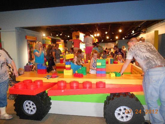 Children's Museum of Indianapolis: legos