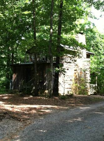 Pilot Knob Inn: View of our Tobacco Cabin - 'Rear View'