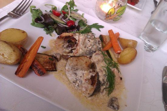 Daphne Restaurant: Sea bass