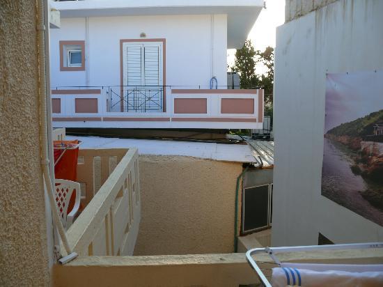 Irini Family Studios : Balcony